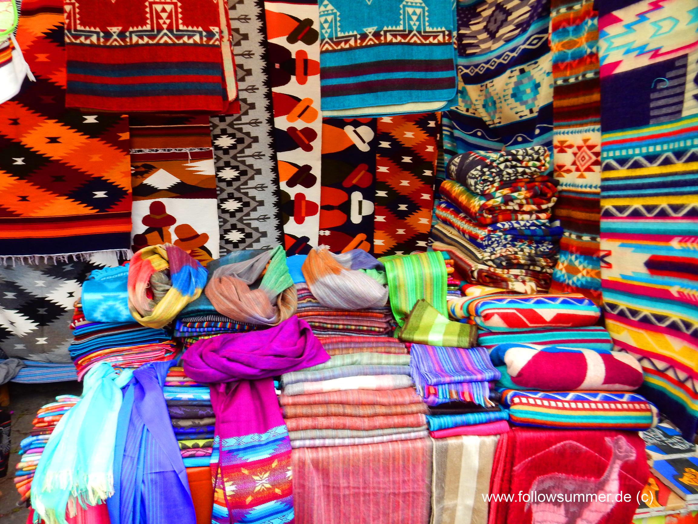 Otavalo Market Equador